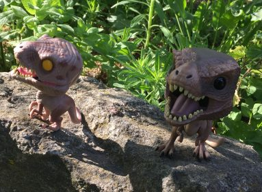 Velociraptor i Tyrannosaurs Rex od Funko